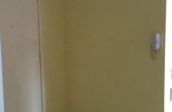 Ponta da Praia Apartamento Sala Living dividido em quarto e sala QUADRA DA PRAIA Ref 006